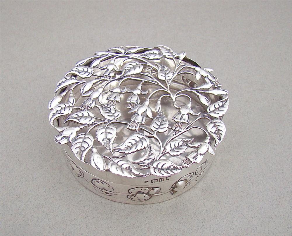 art nouveau silver pot pourri box by william comyns london 1908