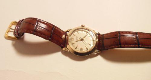 10ct gold wittnauer wrist watch