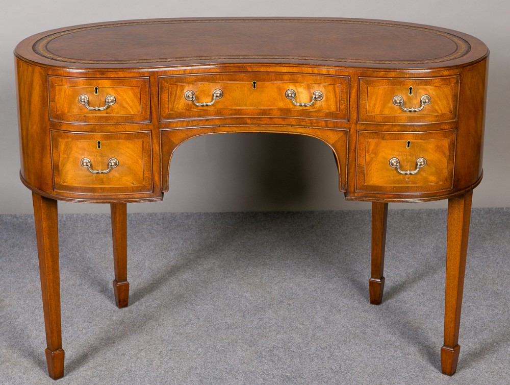 Kidney shaped writing table desk