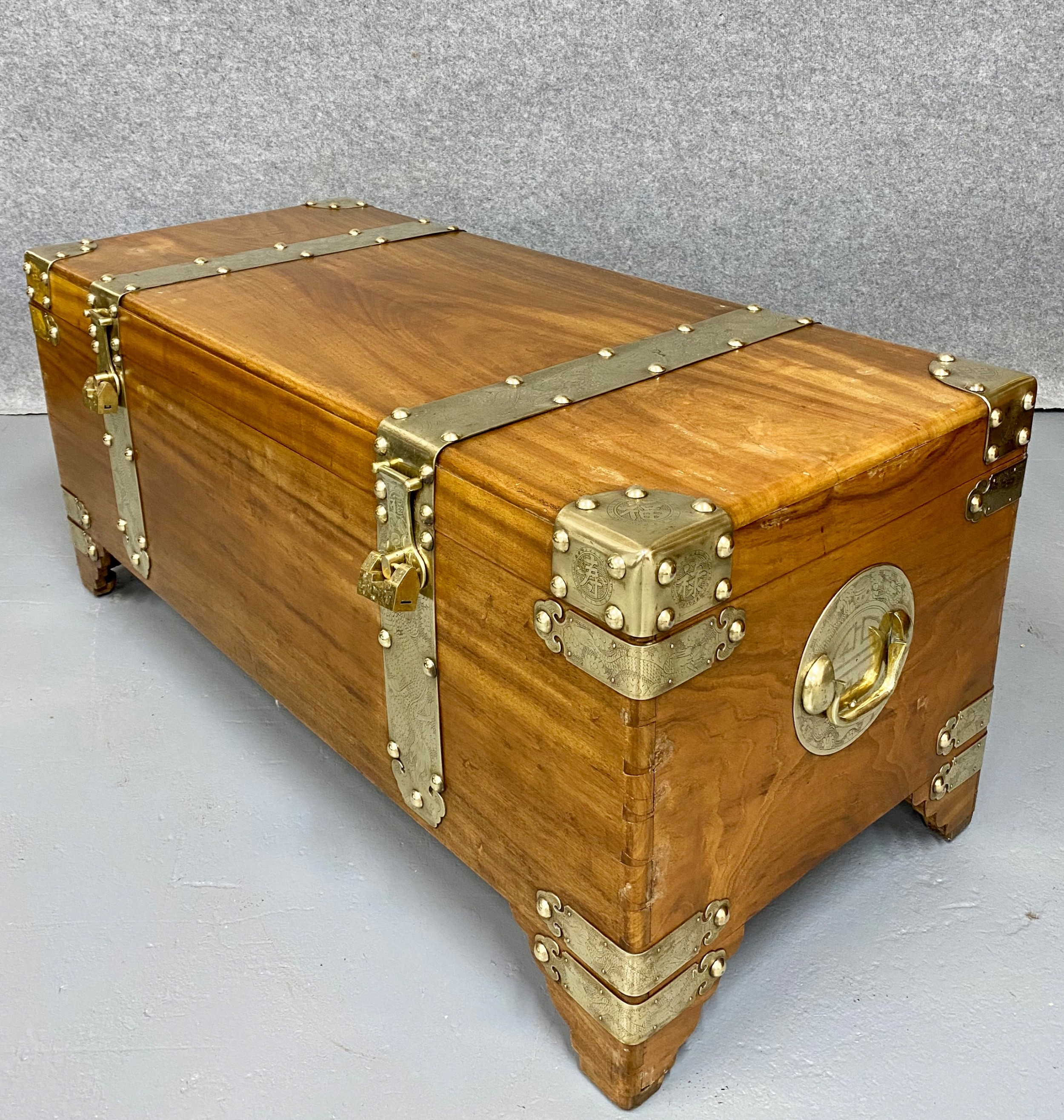 superior chinese camphor wood campaign trunk