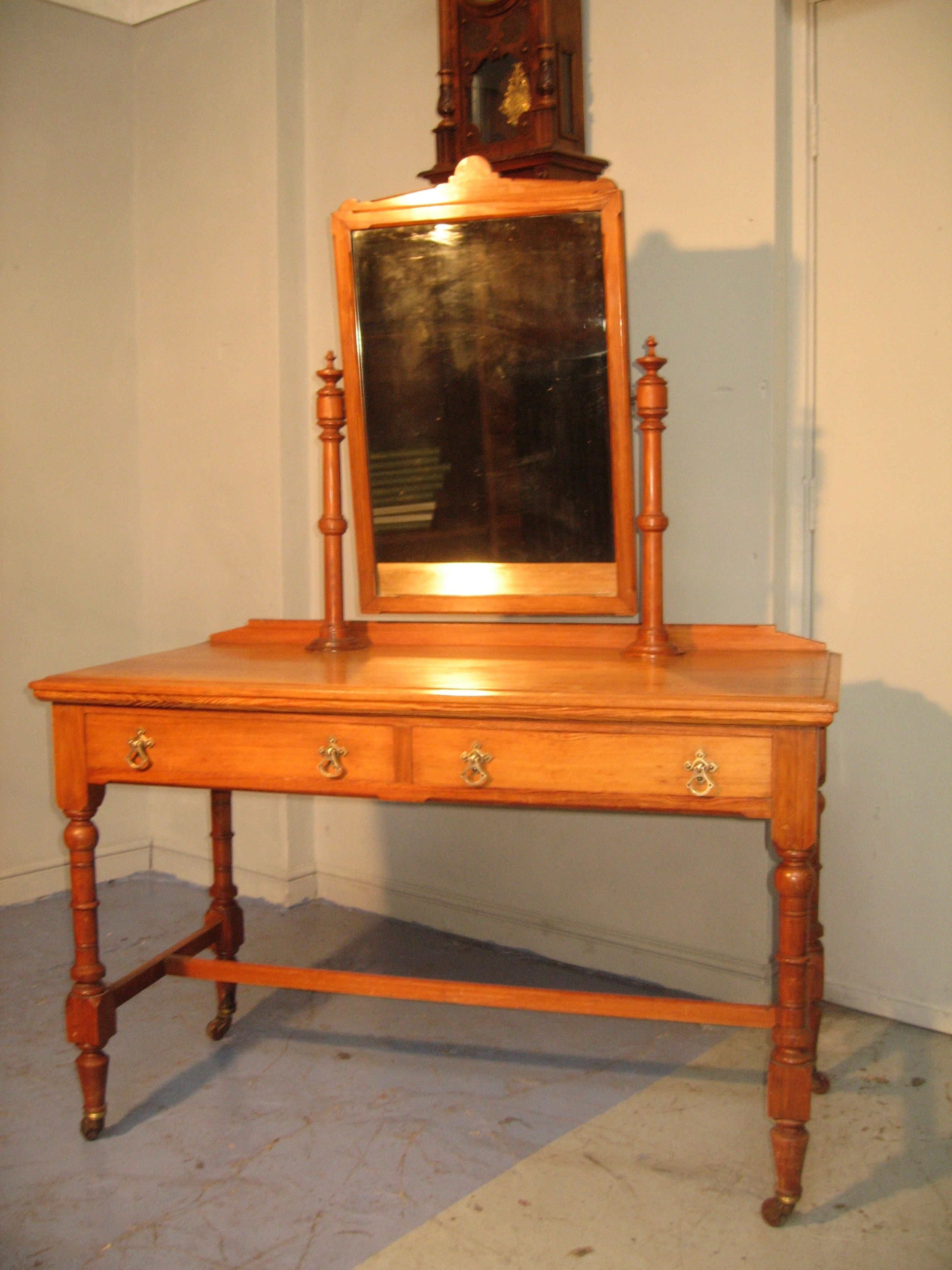 victorian pitch pine dressing table
