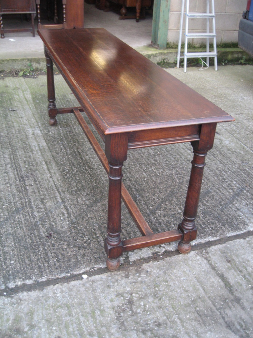 Antiques the uk 39 s largest antiques website for Slim dining table