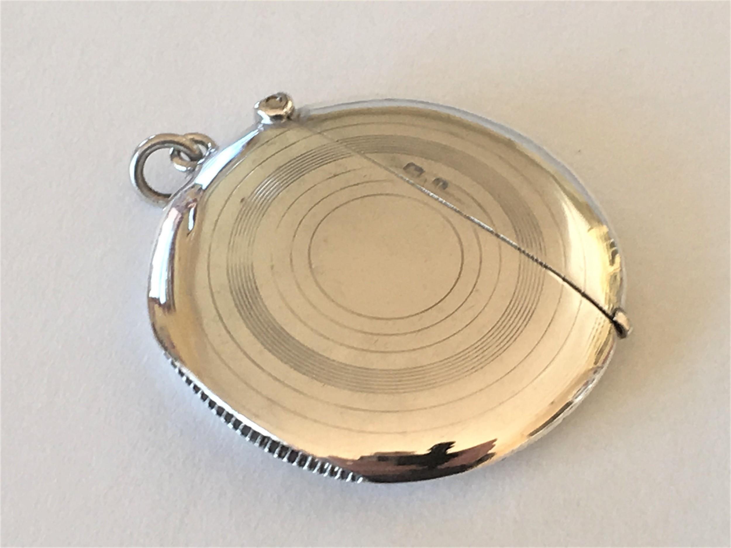 a rare edwardian circular silver vesta