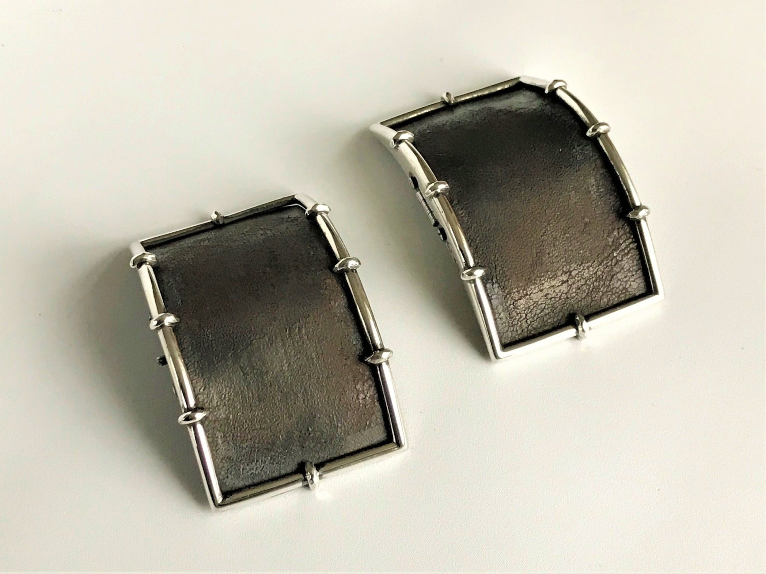 a handsome pair of 18th century silver shoe buckles