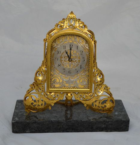 marble base fretwork mantel desk clock