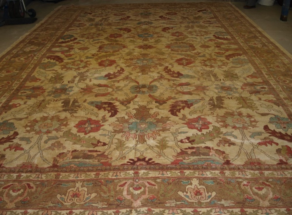 persian sultanabad carpet soft colours large size 19th century style