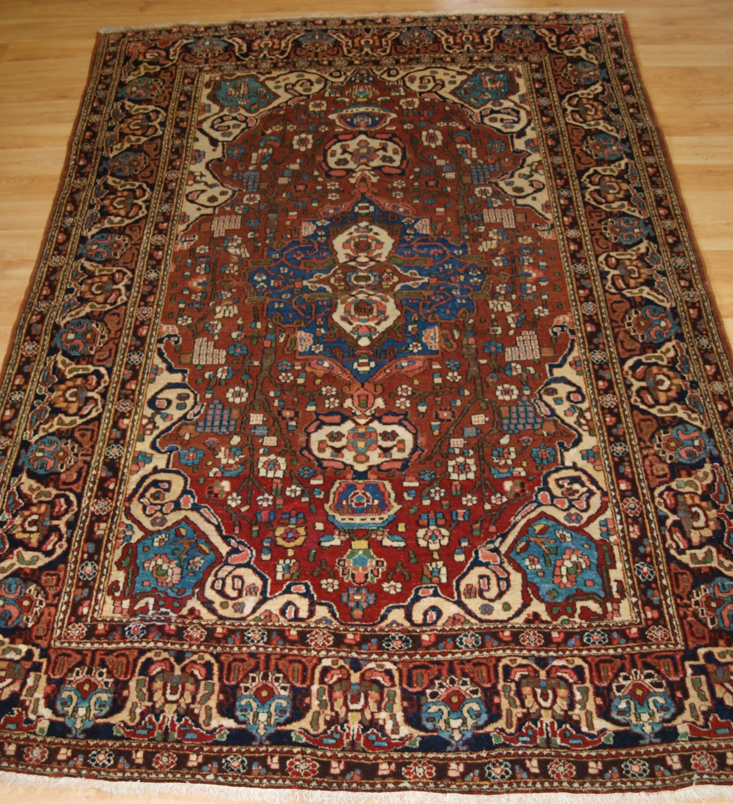 Antique Oriental Rugs Uk: Antique Persian Isfahan Rug With Small Medallion, Good