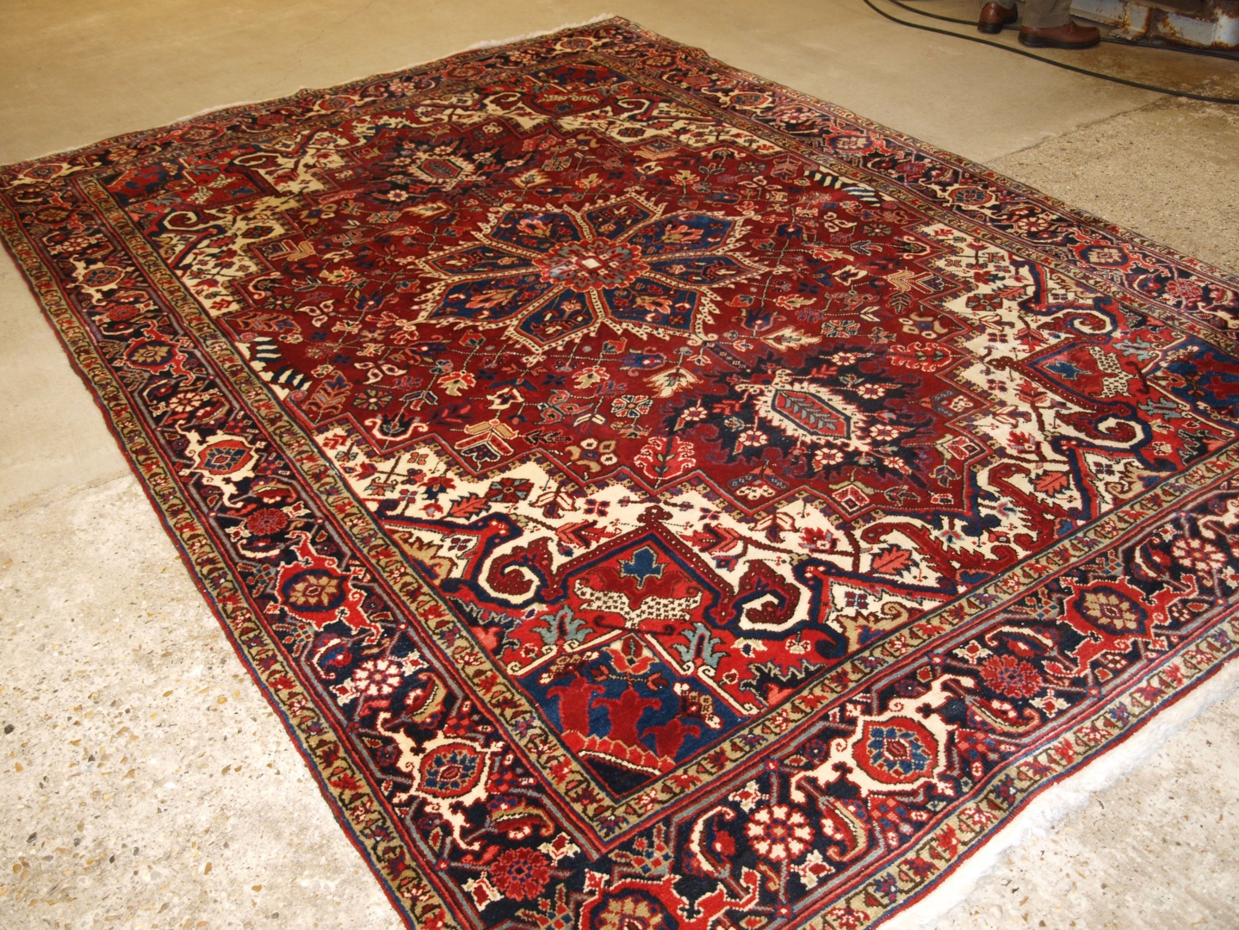 antique persian heriz carpet with great colour excellent condition ideal furnishing carpet circa 1920