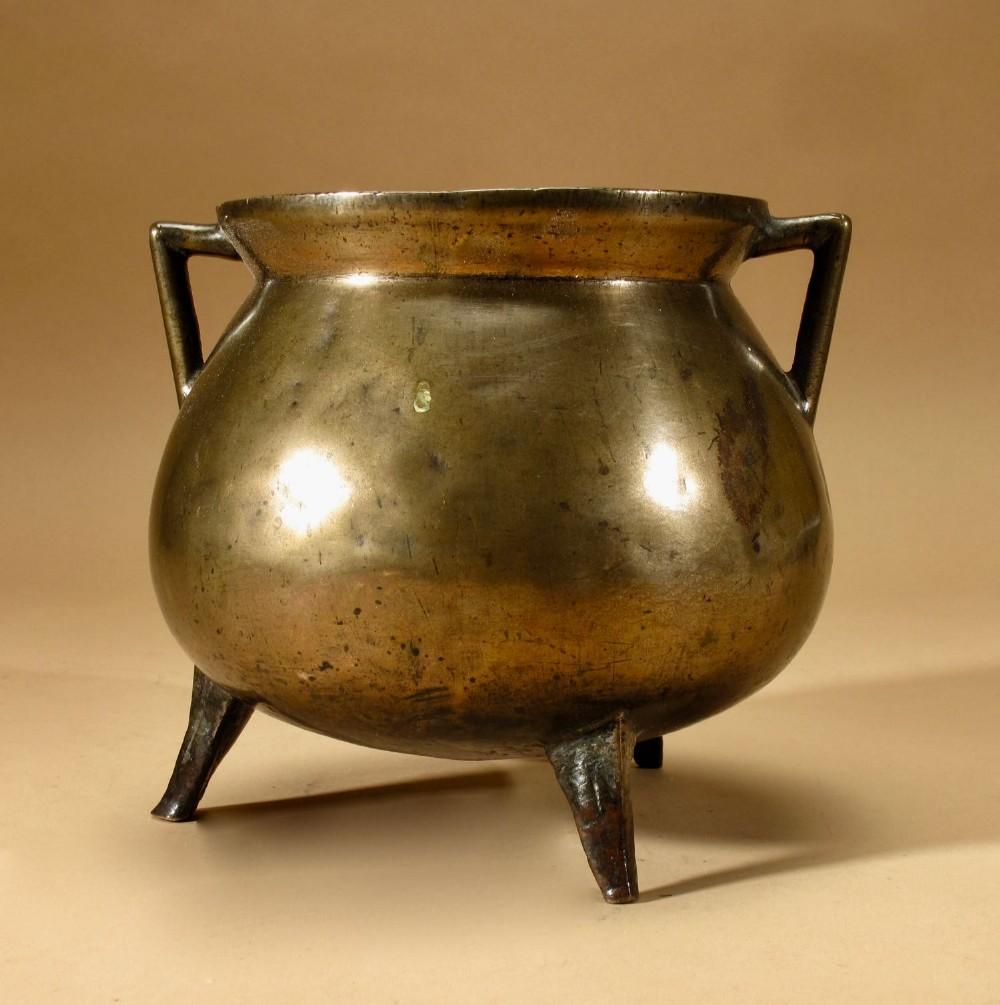an early original bronze cauldron continental 1617century
