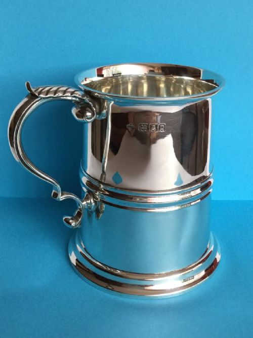 a magnificent onepint silver tankard 468 grams 1918