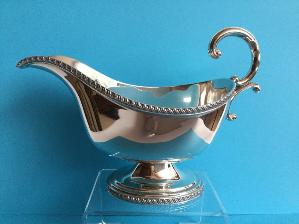 an immaculate silver sauce boat 1930 178 grams
