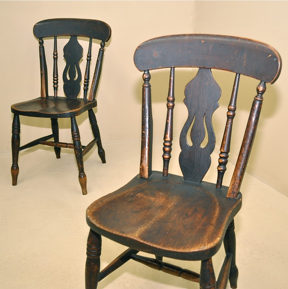 Perfect Antique Windsor Kitchen Chairs