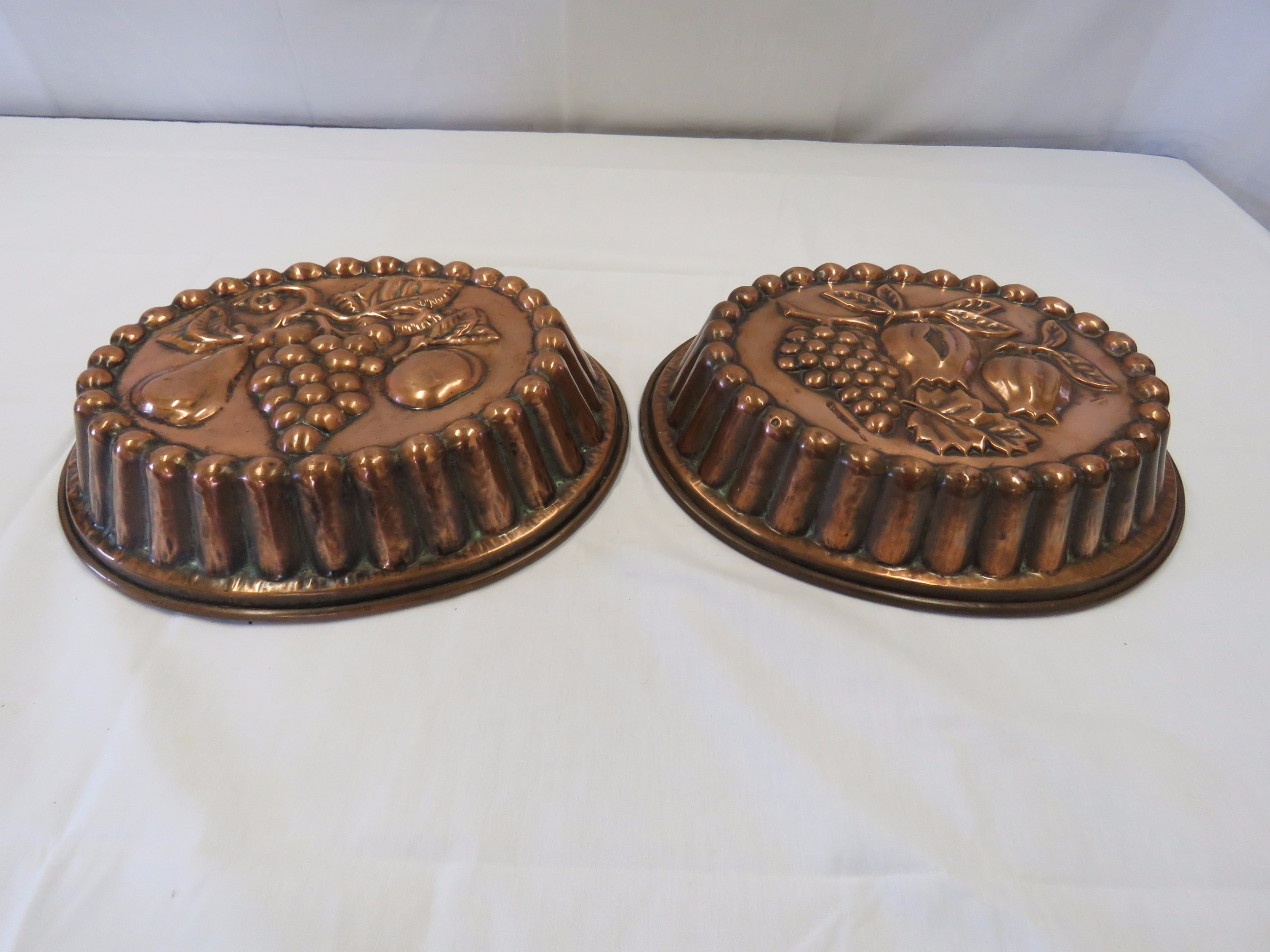 Pair Of Large Copper Jelly Moulds 496333 Sellingantiques Co Uk