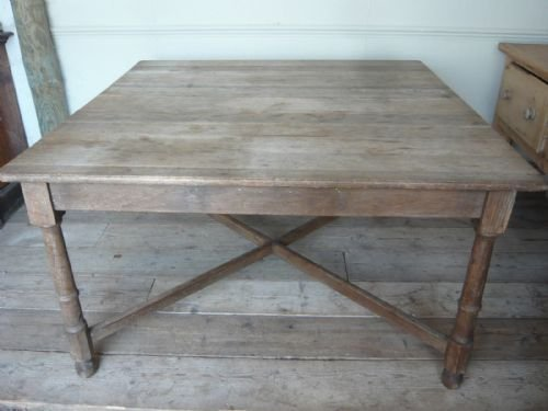 unusual large square dining table | 130784 | sellingantiques.co.uk