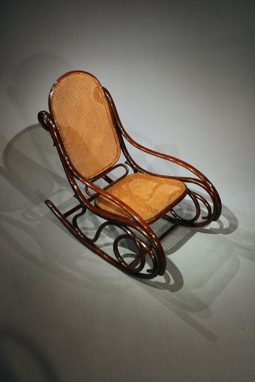 thonet bentwood rocking chair circa 1880 223009. Black Bedroom Furniture Sets. Home Design Ideas