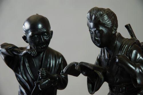 pair of japanese meiji period bronzes of peasants