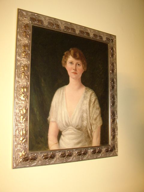 Art Deco Wedding Cake Great Gatsby in addition 20100823 likewise 5 Of The Best Places To S b 5378616 as well Lovely Early Art Deco Oil Portrait Painting Of Elegant Young Lady In Decorative Frame 37 X 32 Inches in addition Rockefeller Center. on art deco mansion