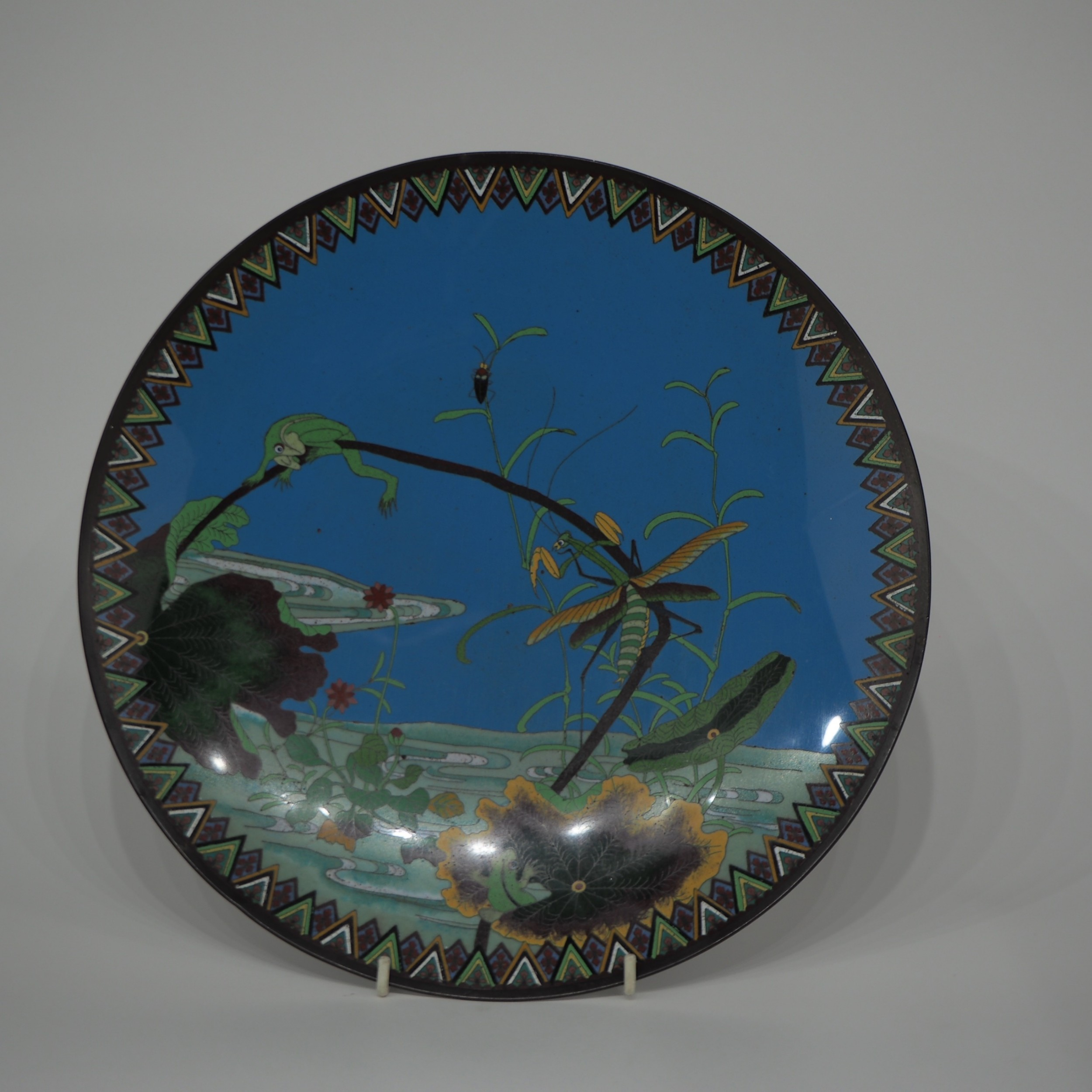japanese cloisonne plate with decoration of a frog and praying mantis