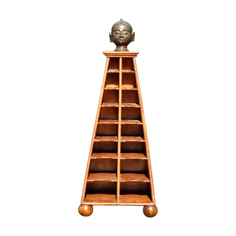 decorative pyramid stand