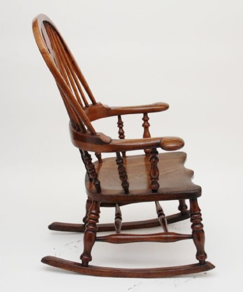 rocking chair - photo angle #3