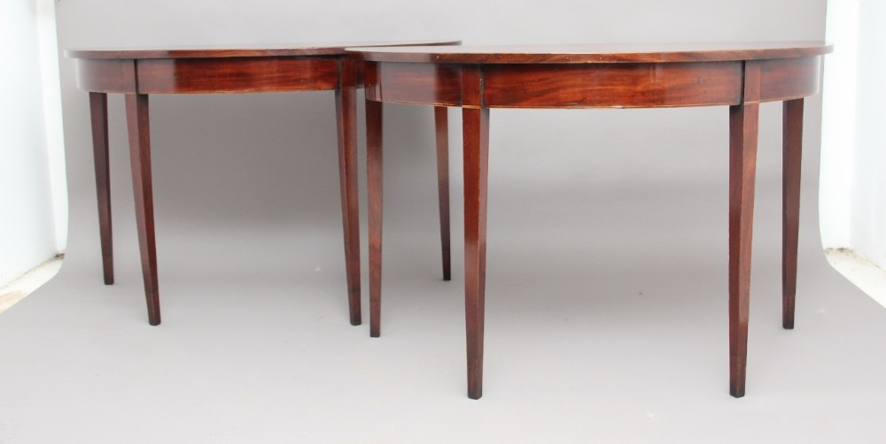 Exceptionnel Pair Demilune Tables