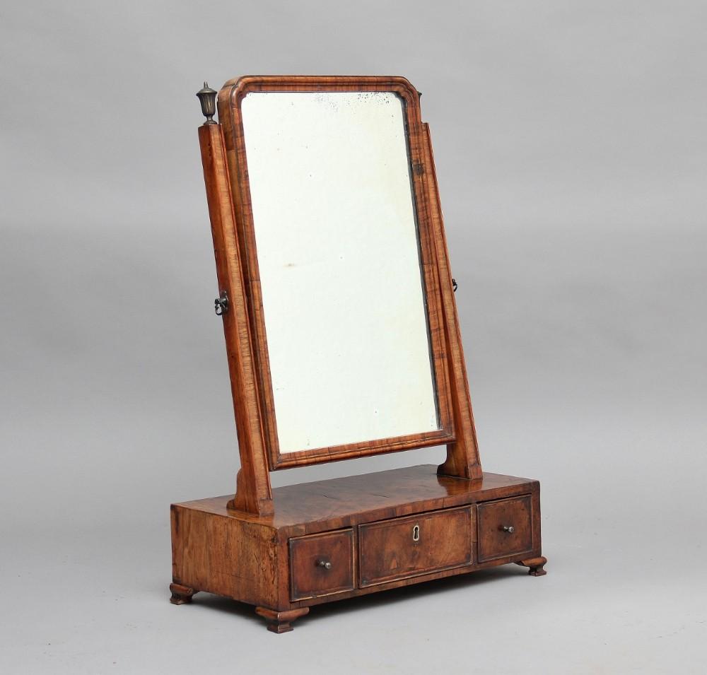 18th century walnut dressing table toilet mirror for Walnut dressing table