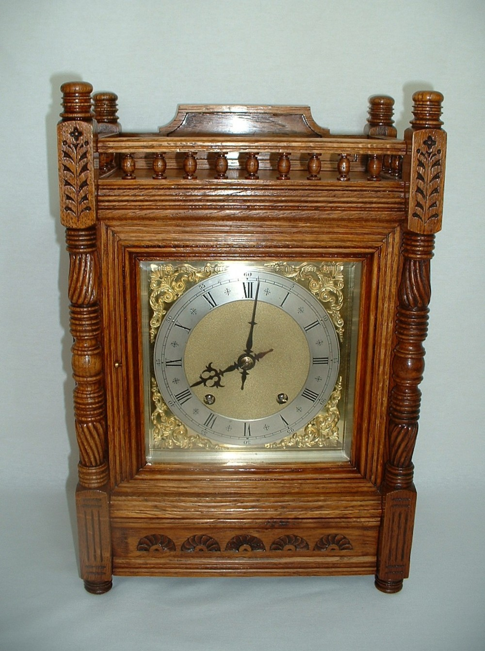 a wh quarter striking bracket clock