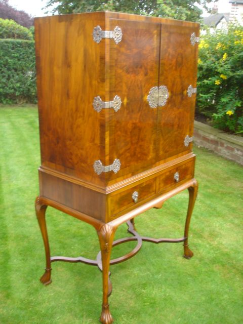 Antique Burr Walnut Cabinet On Stand Cocktail Cabinet | 179059 ...