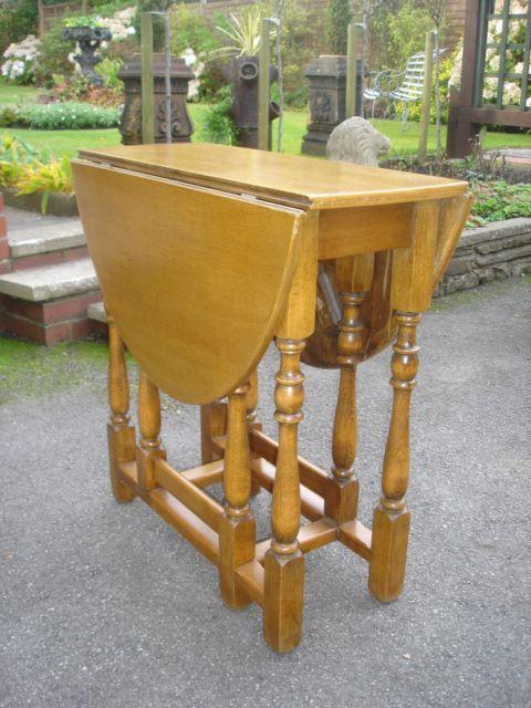 Antique light oak drop leaf dining table kitchen table for Oak kitchen table with leaf