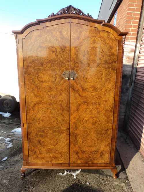 Antique Burr Walnut Double Wardrobe Armoire 203561
