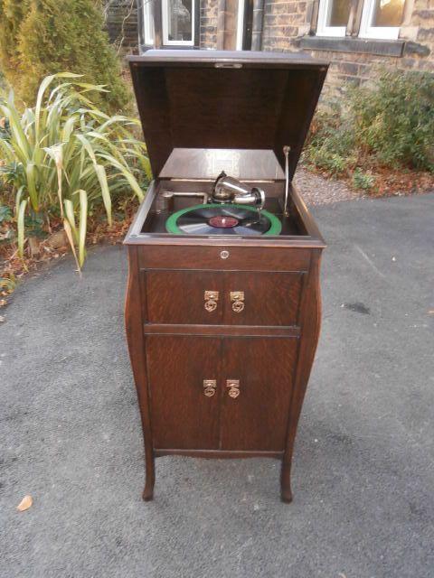 antique oak cased hmv wind up gramophone - Antique Oak Cased Hmv Wind Up Gramophone 254645