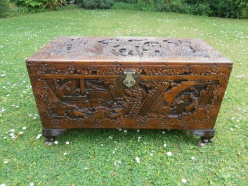 Antique oriental chinese camphor trunk coffee table for Asian trunk coffee table