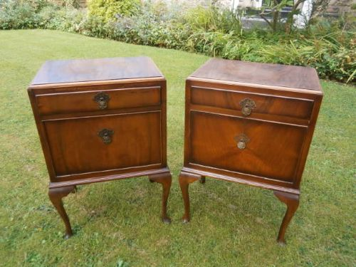pair antique walnut bedside tables bedside cabinet - Pair Antique Walnut Bedside Tables Bedside Cabinet 298487