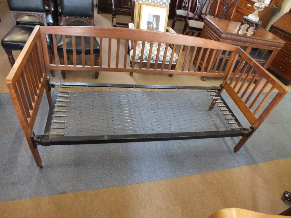 maple co daybed