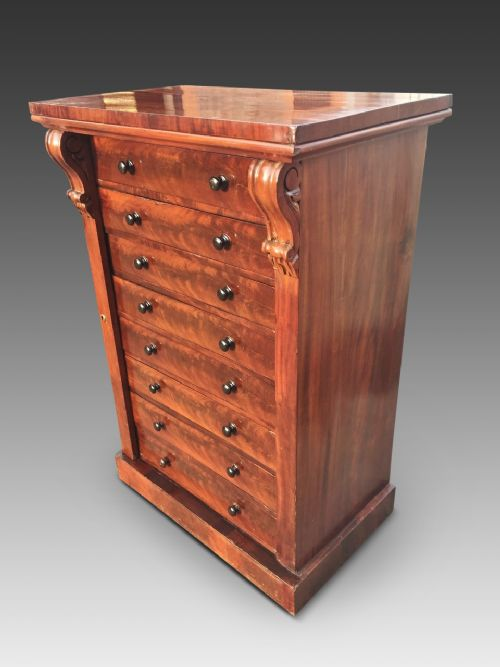 mahogany wellington chest english c 1870