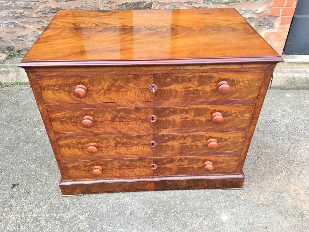 mahogany chest of drawers c 1880