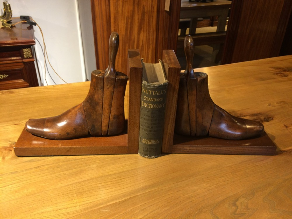 shoe tree bookends