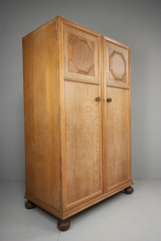 1930s Wardrobes: Lovely Heals 1930's Oak Wardrobe.
