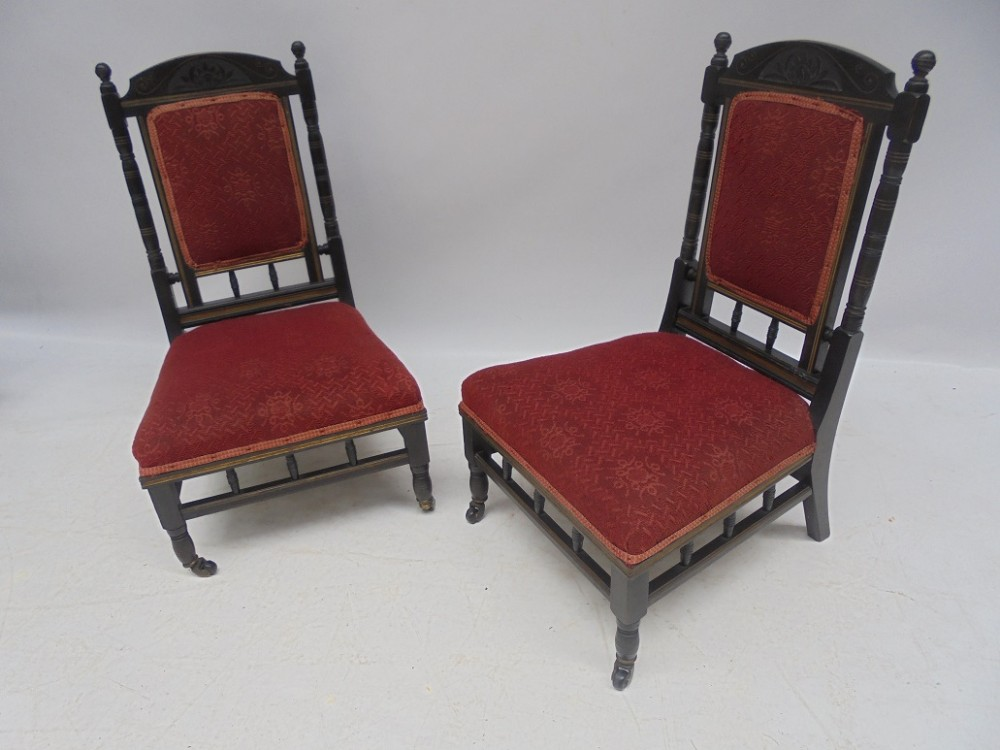 pair aesthetic chairs