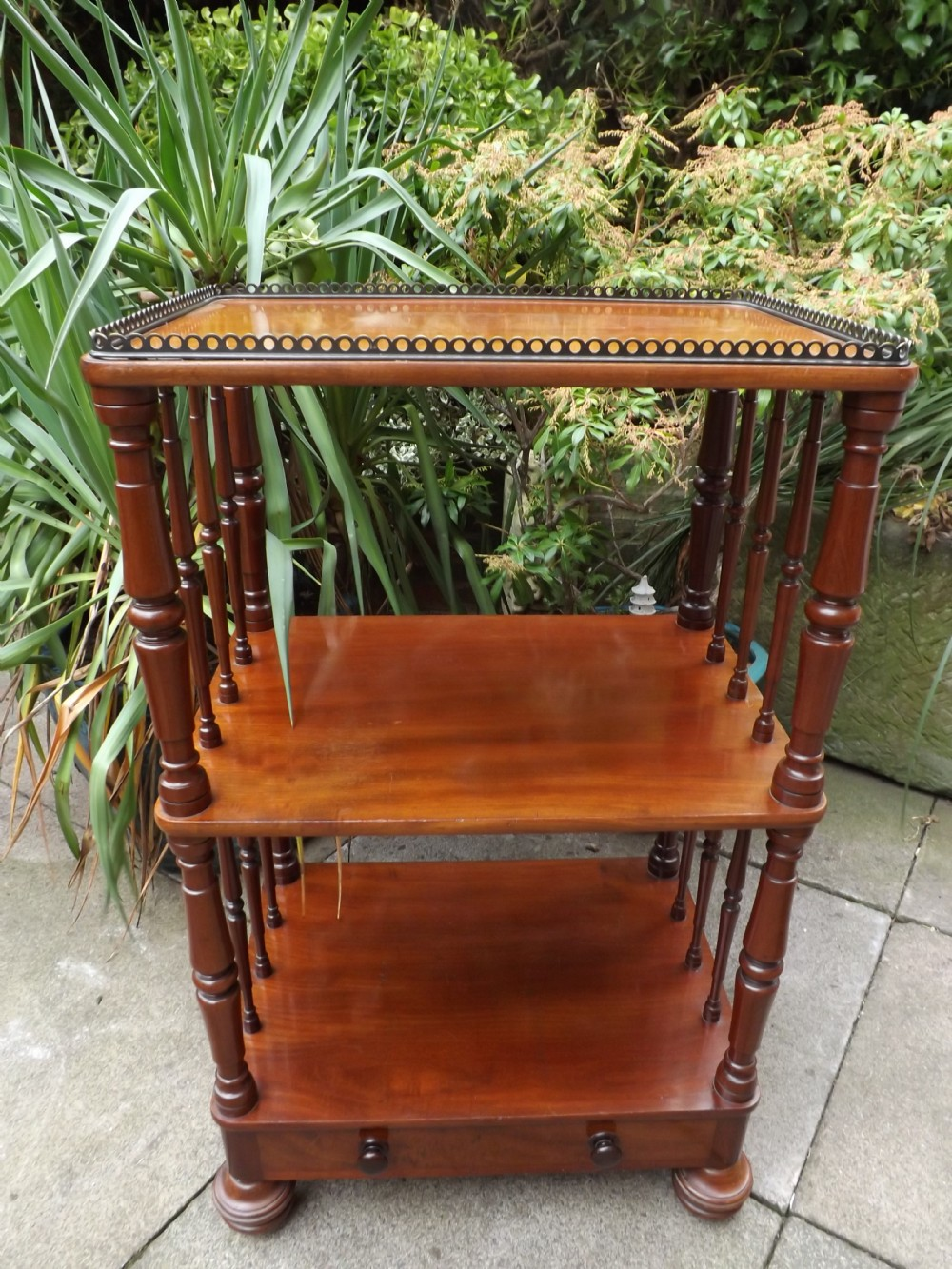 c19th mahogany tagre'whatnot' with gallery top