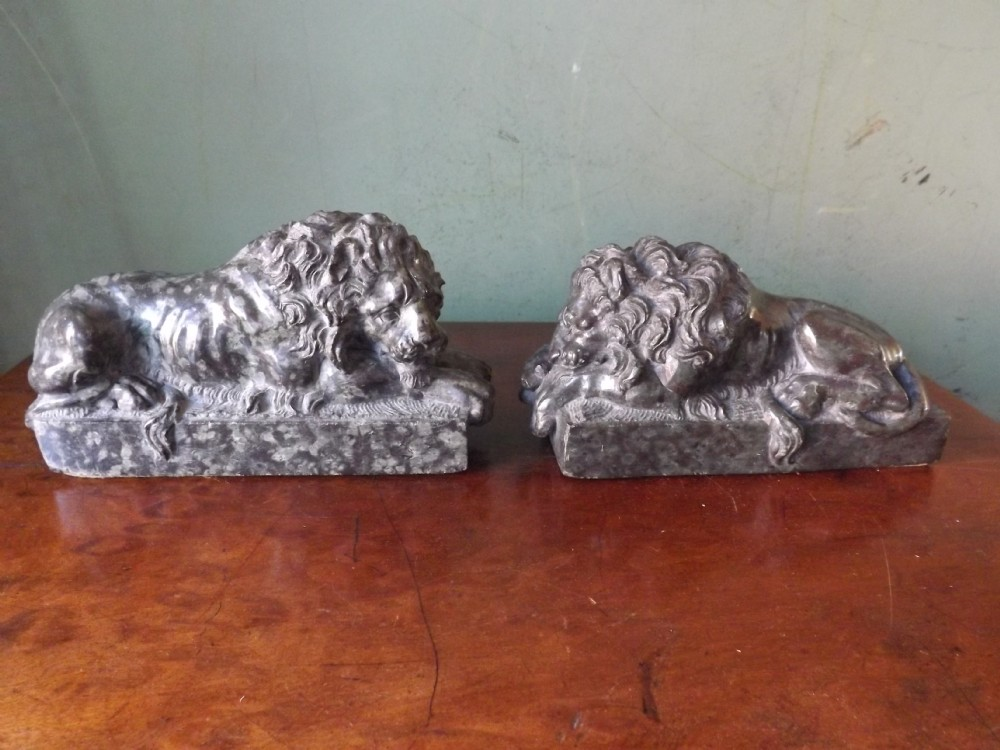 pair of c19th italian carved serpentine marble 'grand tour' souvenir lions