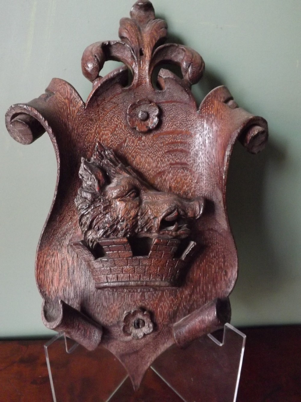 c19th carved oak armorial cartouche