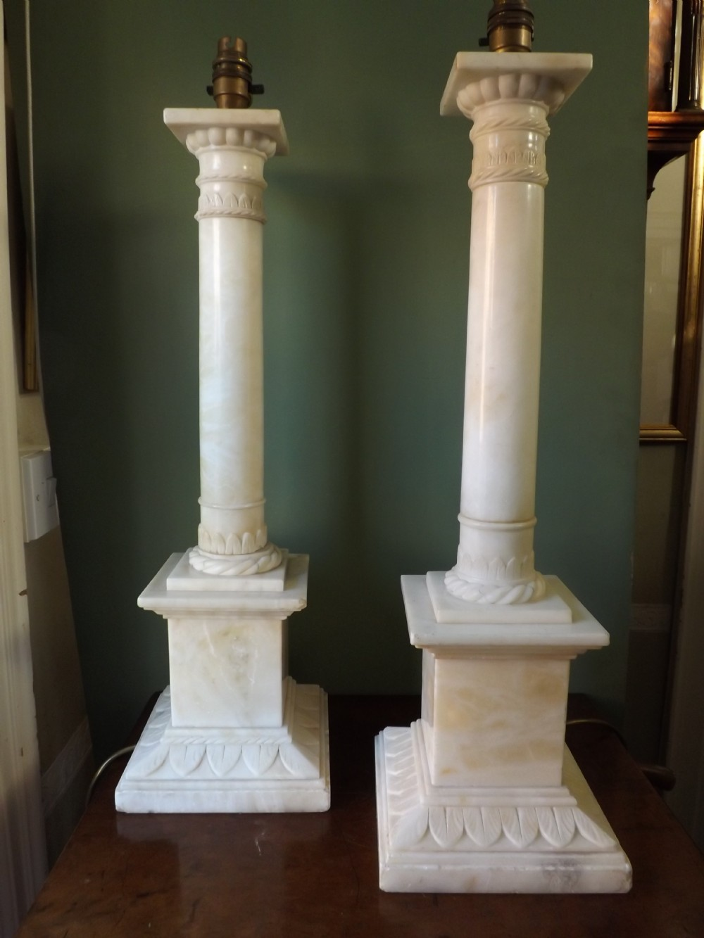 pair of early c20th italian alabaster column tablelamps