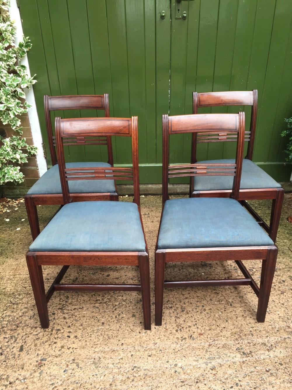 set of 4 late c18th george iii period mahogany dining chairs