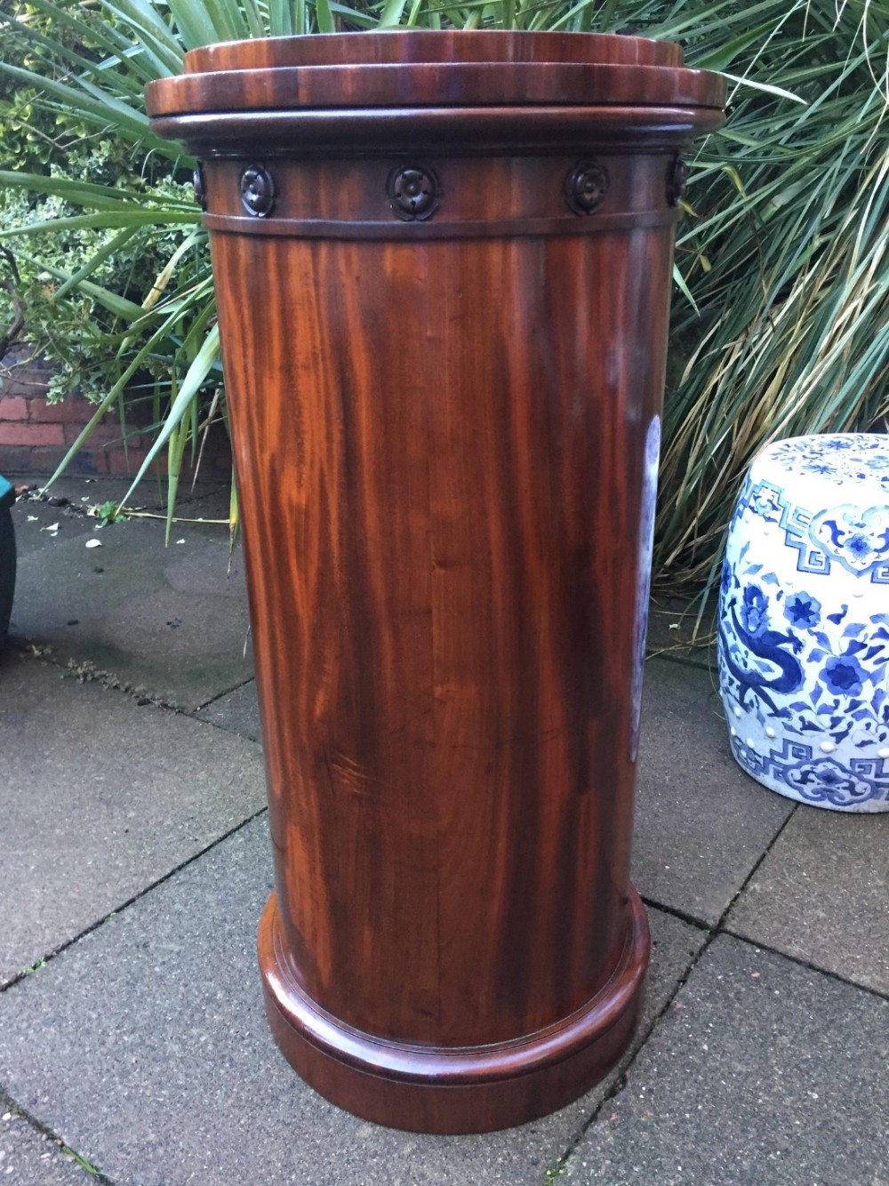 early c19th george iv period mahogany sculpture display column