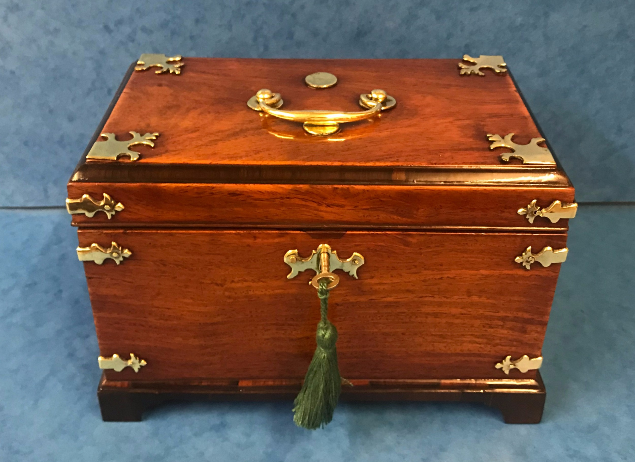 1770 colonial tea caddy