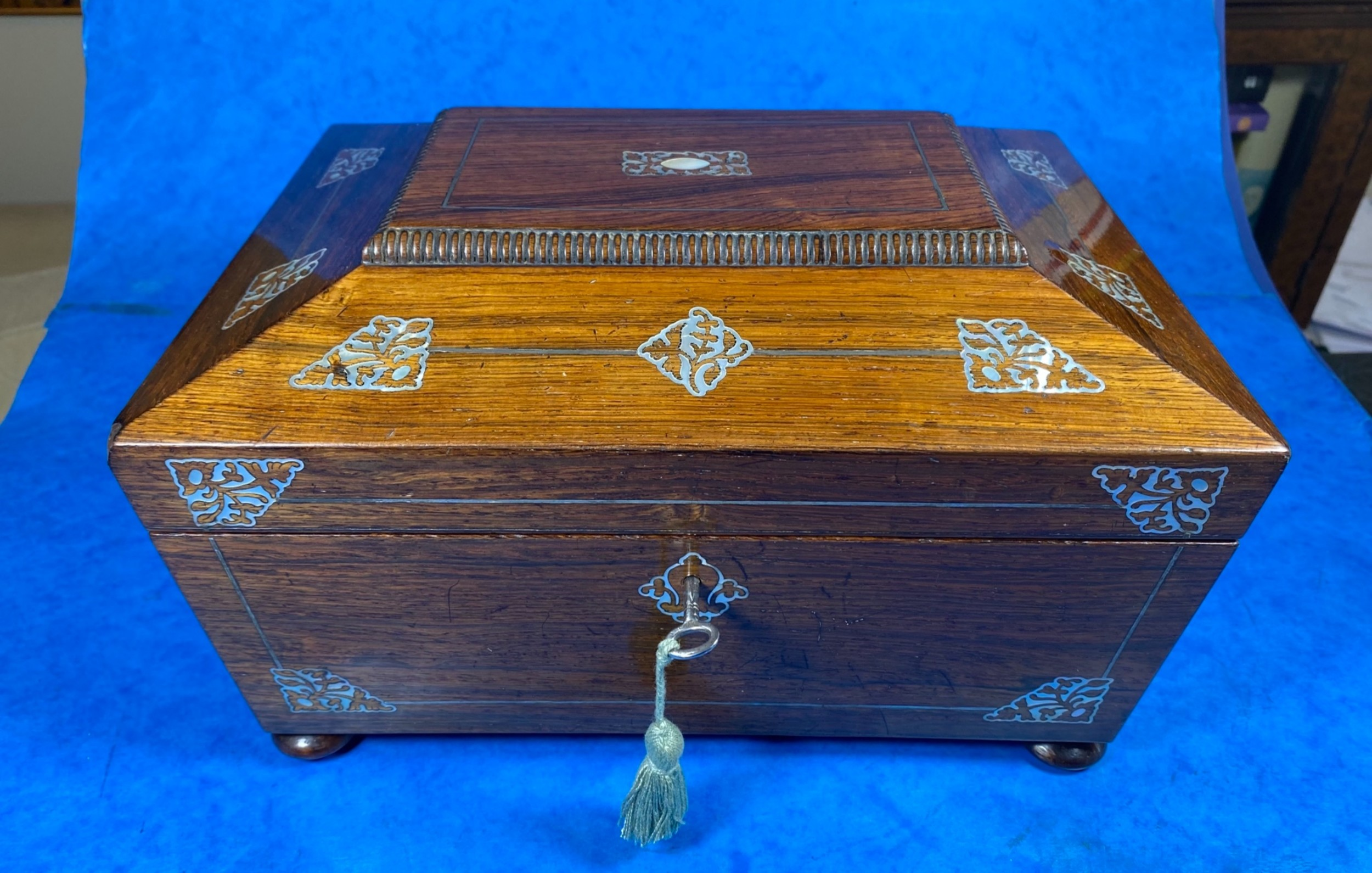 william iv rosewood jewellery box with mother of pearl inlay