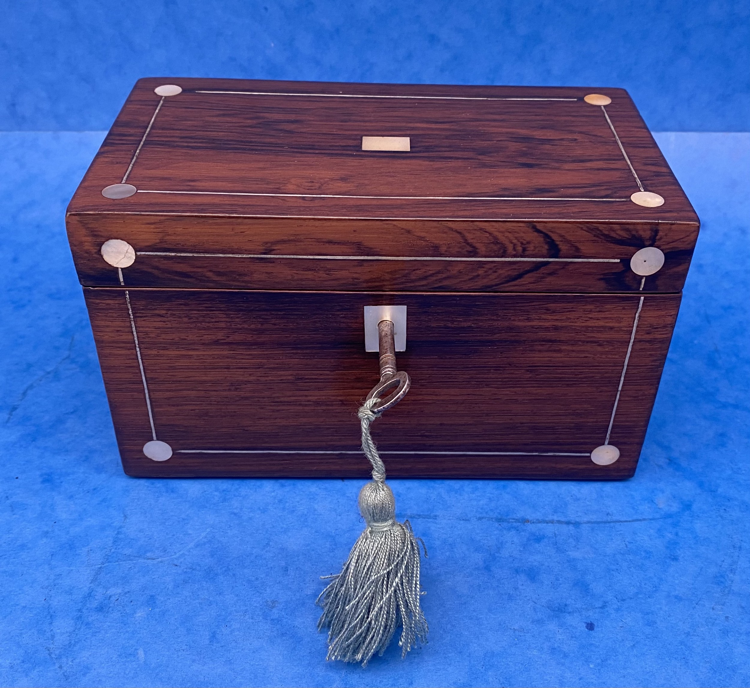 william iv rosewood twin section tea caddy with mother of pearl inlay
