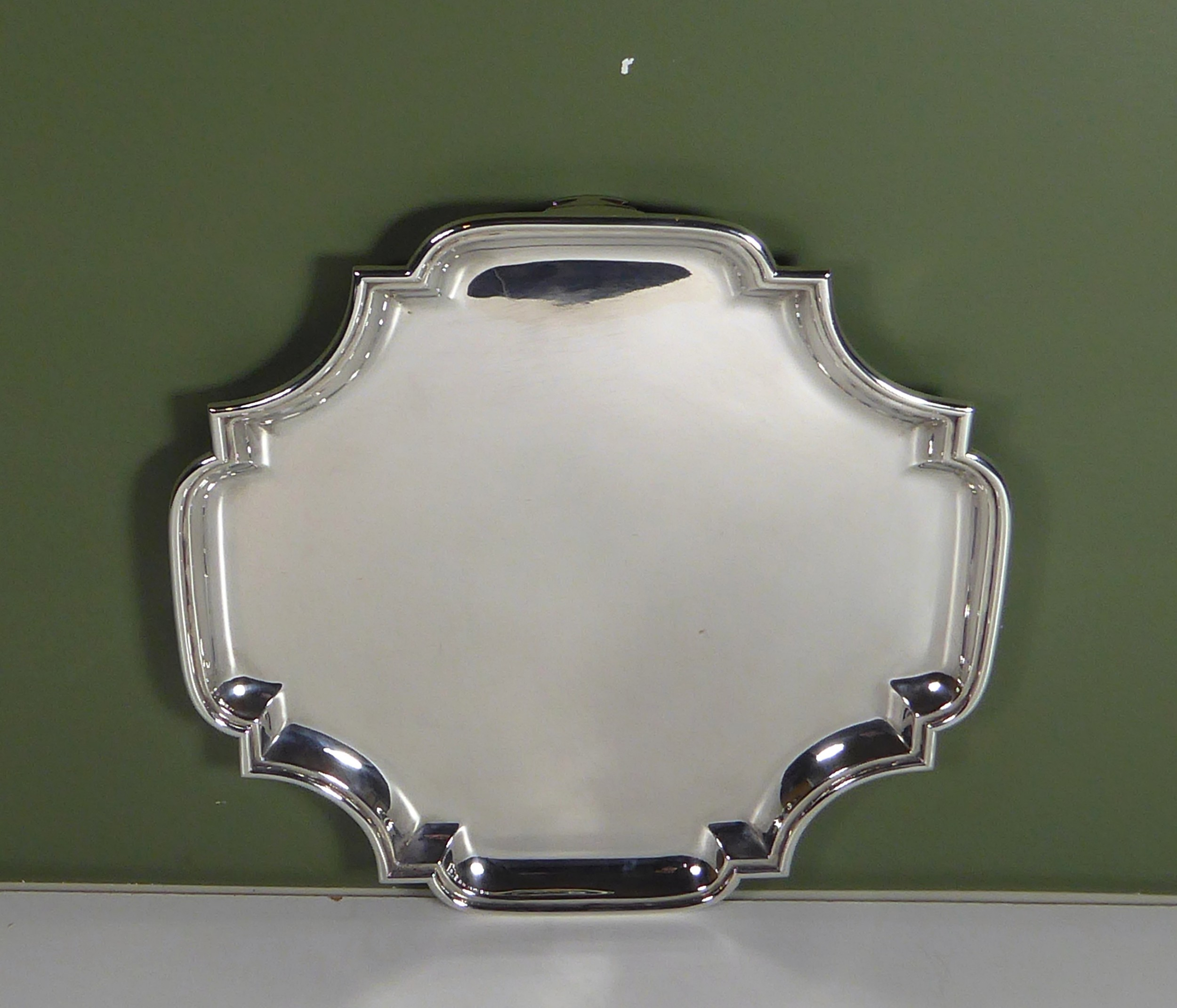 large solid silver salver 1908