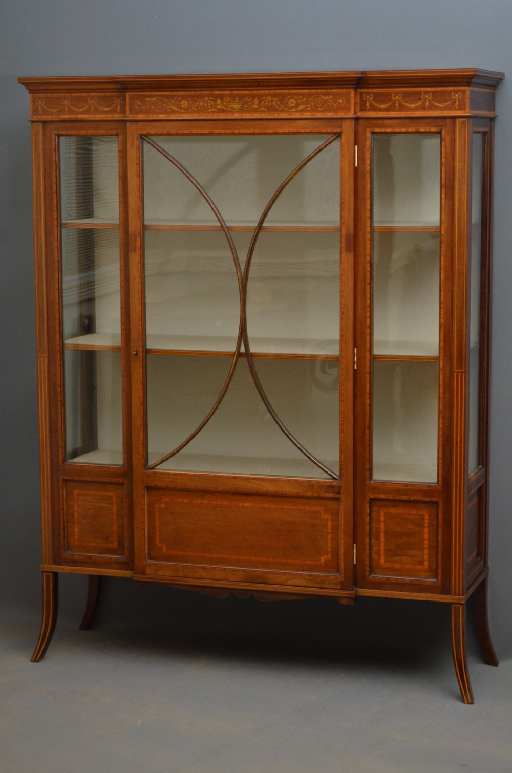 Edwardian display cabinet vitrine 251886 for Sideboard vitrine